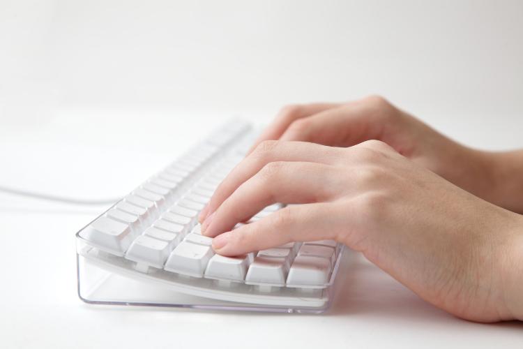Как научиться печатать на французском. Французская раскладка клавиатуры.
